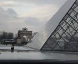 Eingangspyramide im Louvre