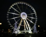 Weihnachtsriesenrad am Champs Elyses